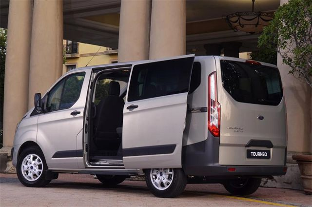 ford tourneo-custom
