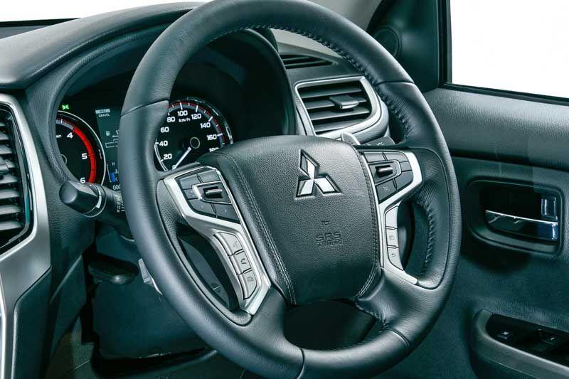 Mitsubishi triton thumb