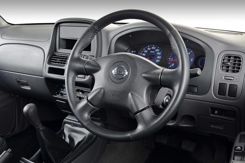 Nissan np300-hardbody thumb
