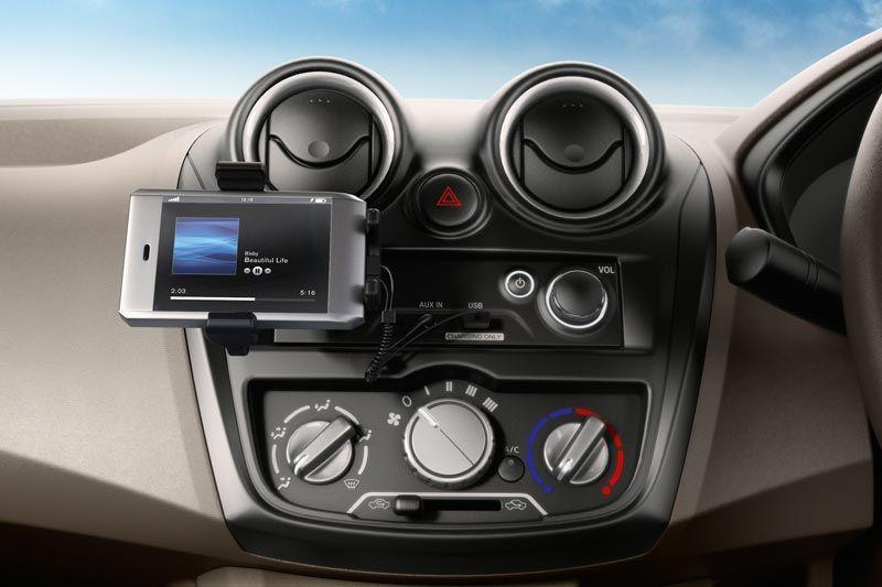 Datsun go-lux thumb