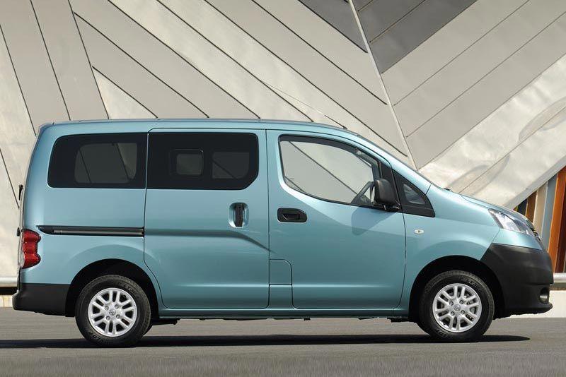 Nissan nv200-combi thumb
