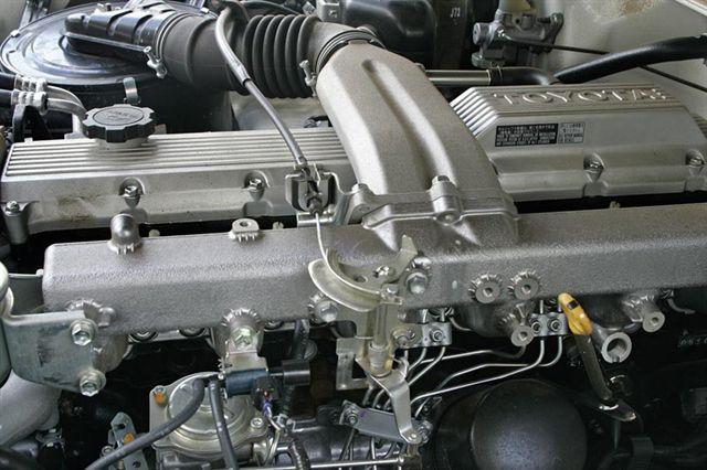 toyota land-cruiser-76
