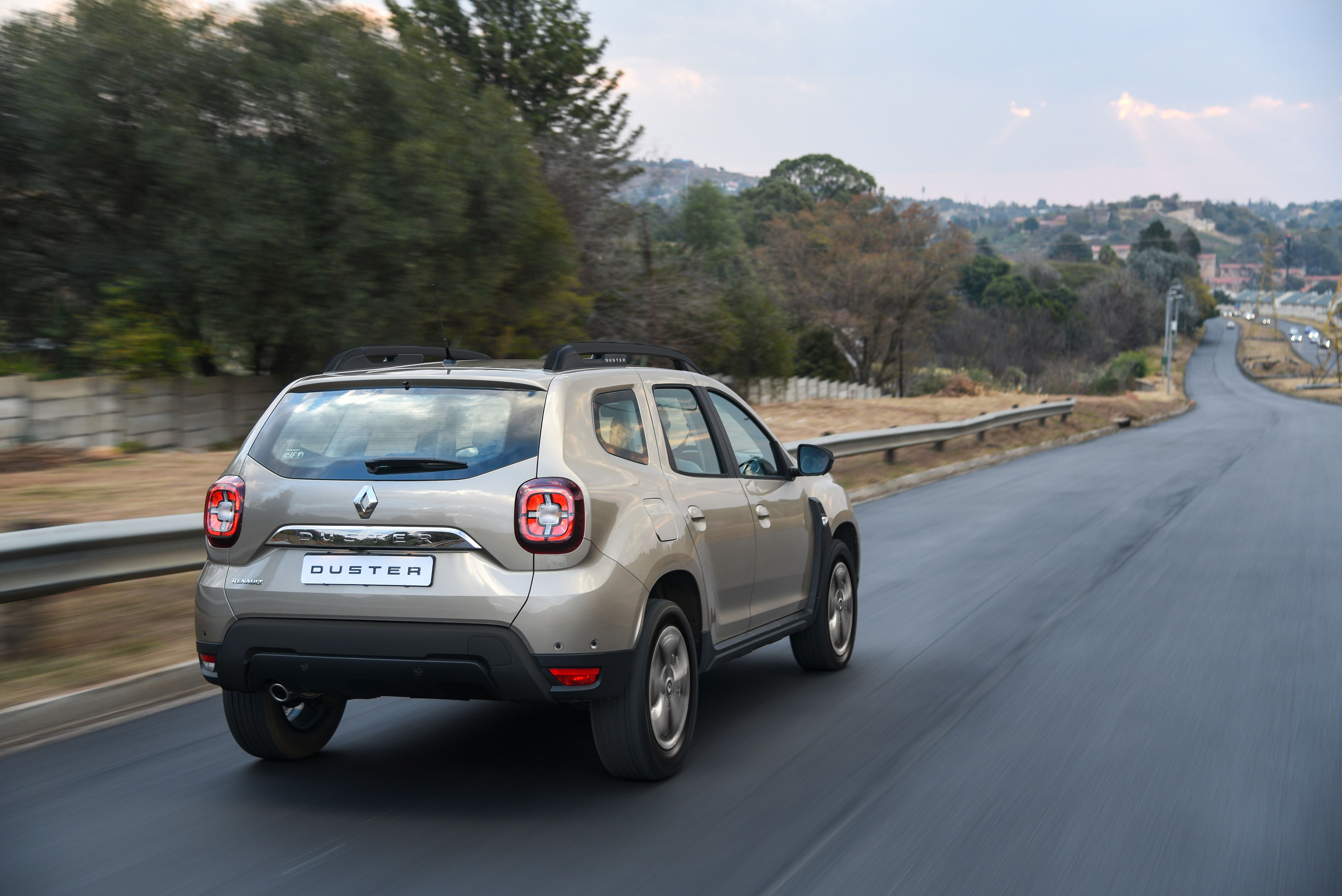 renault duster thumb