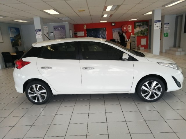 Manual Toyota Yaris 2019 for sale