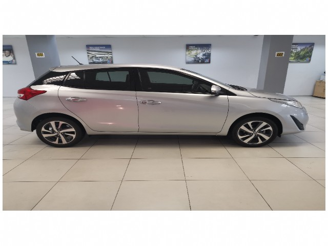Automatic Toyota Yaris 2019 for sale