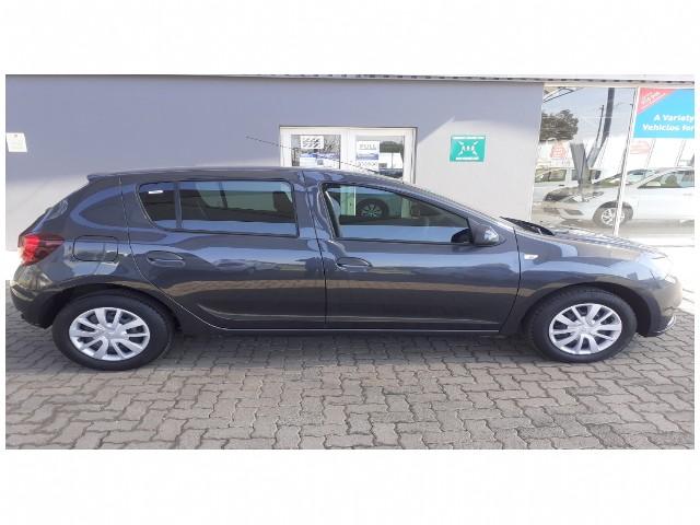 Manual Renault Sandero 2019 for sale